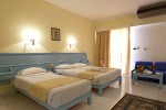 5_Empire_Hotel_20140123_standard_room_01